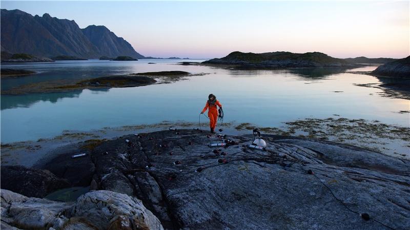 烏蘇拉.畢曼,《聲海》,2018,錄像裝置,彩色、有聲,片長18分鐘