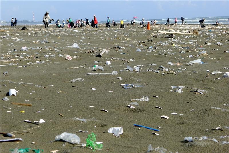 海灘廢棄物長期監測行動。