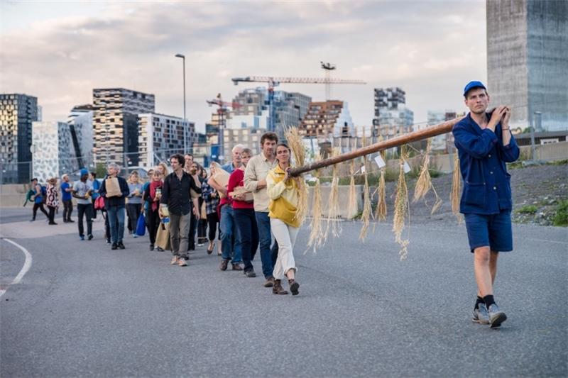 未來農夫的種子儀式,2016。攝影:Monica Løvdahl