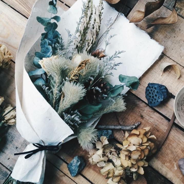 陳佑濃製作的雜草花束