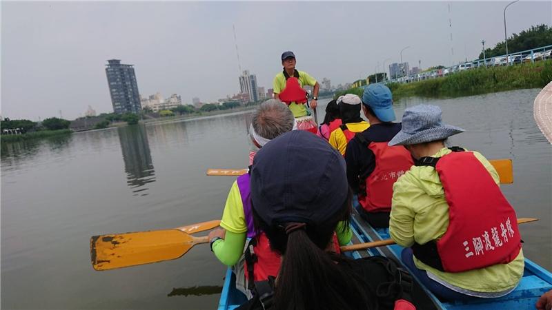 基隆河走讀:三腳渡龍舟。台灣永續聯盟提供